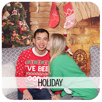 51-HOLIDAY-PHOTO-BOOTH-RENTAL